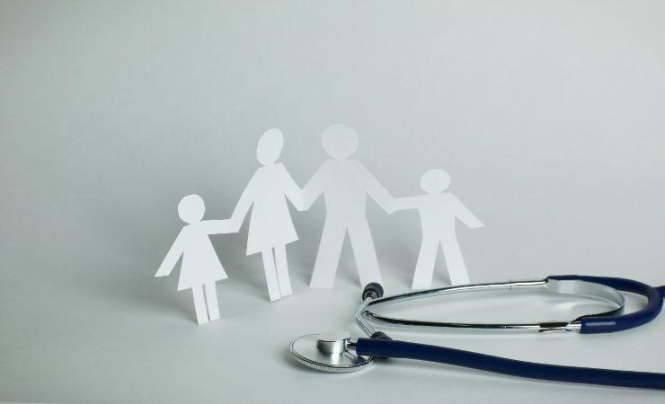 האם משתלם לרכוש ביטוח ילדים?